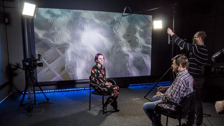 PlatonTV: nagranie rozmowy z producentką wystawy Posthuman_Data