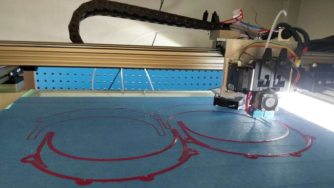 Dział IoT PCSS drukuje przyłbice 3D dla poznańskich szpitali