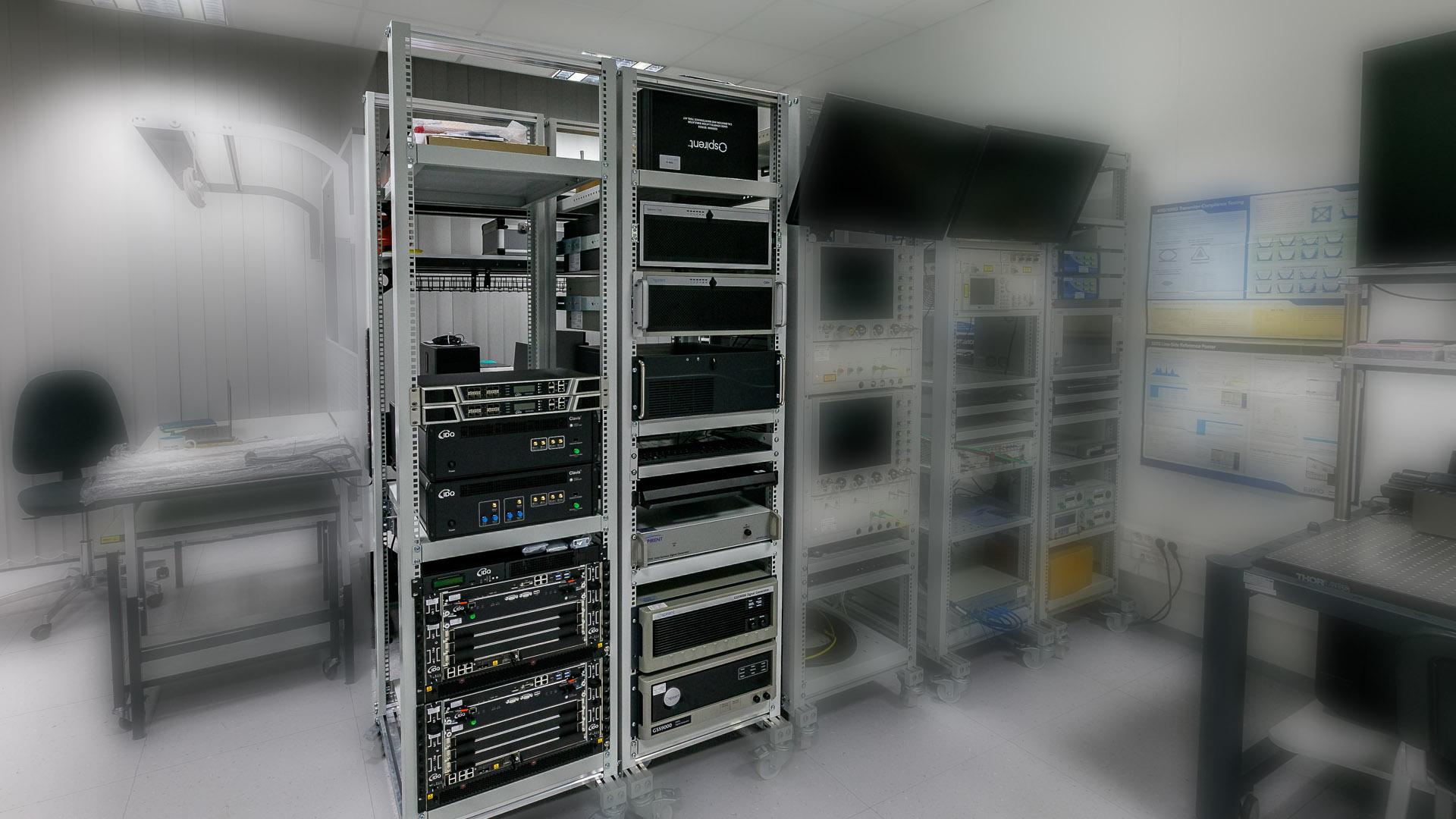 W ramach projektu NLPQT zakupiono i uruchomiono w PCSS system do modelowania i symulowania systemów nawigacji satelitarnej – GNSS