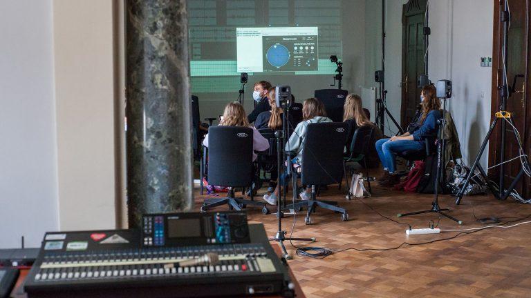 """Warsztaty """"Przyszłość: Soundtrack"""" w PSNC Future Labs"""